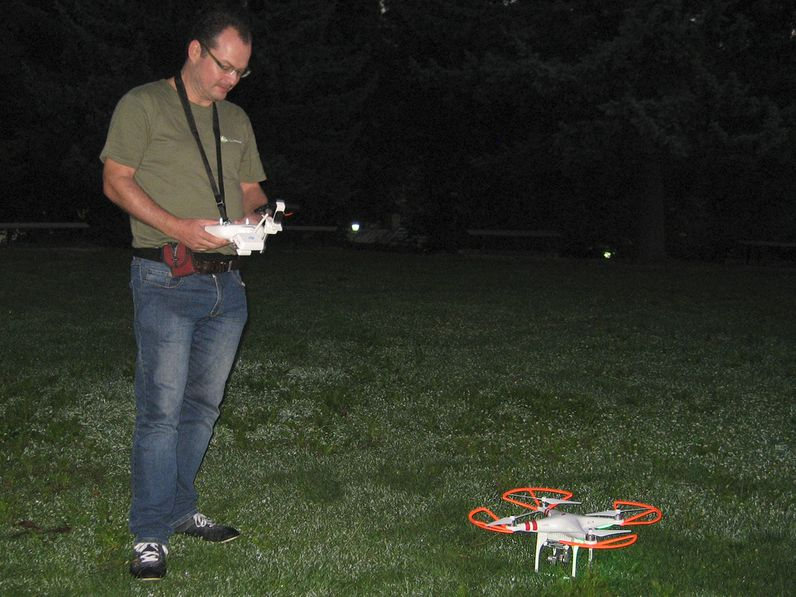 Tobias Schorr und sein DJI Phantom Vision 2+ Kopter
