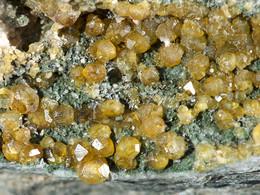 Die schönsten Granatkristalle, die bisher auf Palea Kameni gefunden wurden, (c) Tobias Schorr