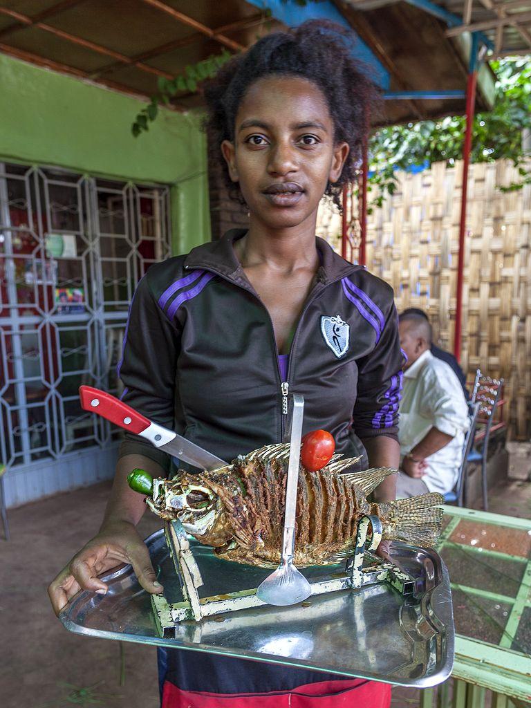 Auf dieser Reise lernte ich die vielen freundlcihen Äthiopier schätzen. Überall wurde ich freundlich angenommen. Und das, obwohl ICH ein Weißer bin. Nicht einmal wurde ich rassistisch behandelt oder blöd angeguckt. Wir können viel von Afrika lernen!