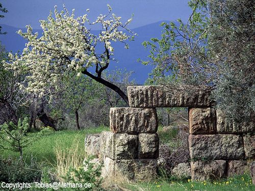 Das antike Tor auf Methana ist ein gern geklautes Motiv. (c) TobiasSchorr@Methana.de