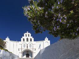Die Kirche auf dem Gipfel von Pyrgos.