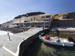 Anlegesteg des Restaurants Delfinia in Akrotiri.