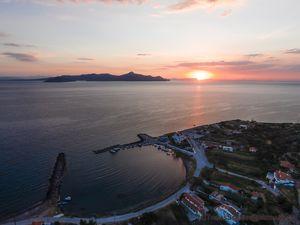 Agios Georgios bei Sonnenaufgang