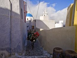 Im Dorf Pyrgos