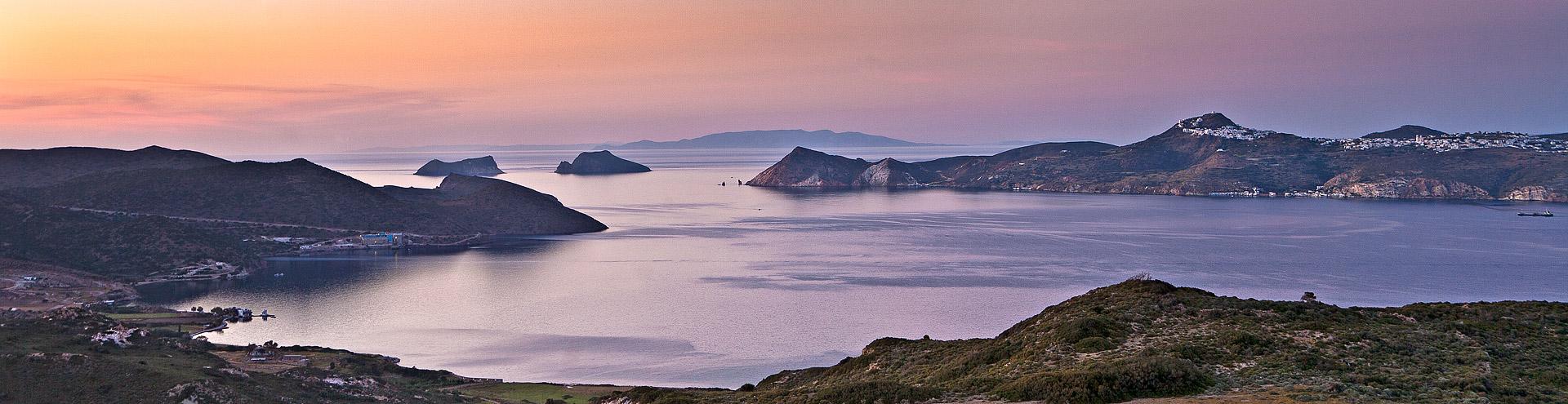Blick in die Bucht von Milos